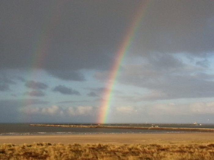 Rainbow over IJmuiden aan Zee